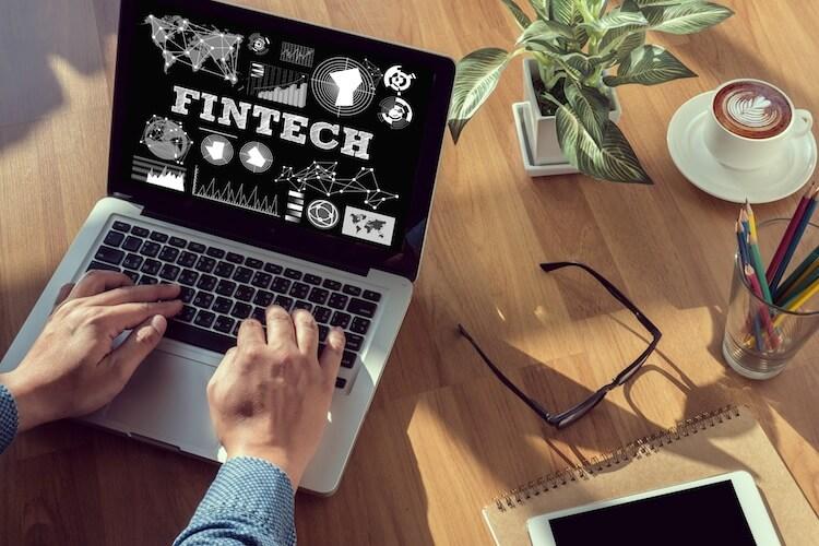 """FinTechs – """"Freund"""" oder """"Feind"""" von Banken?"""