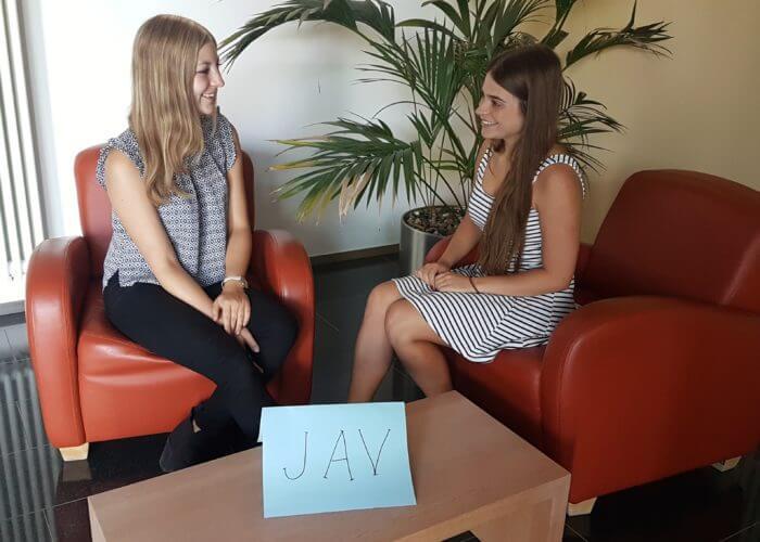 """Interview mit unserer """"JAV"""" – Anna"""